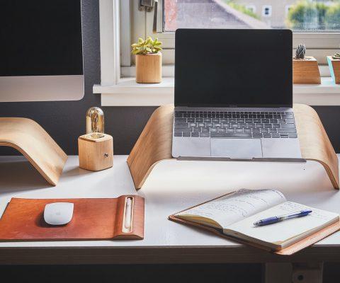 3 dicas para aumentar o desempenho ao trabalhar em casa (Foto de Ken Tomita no Pexels)